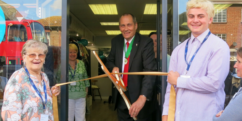 271 Fashion was officially opened by Stephen Murray Deputy Mayor for Loughton, with the help of St Clare shop volunteers Jean and Jack
